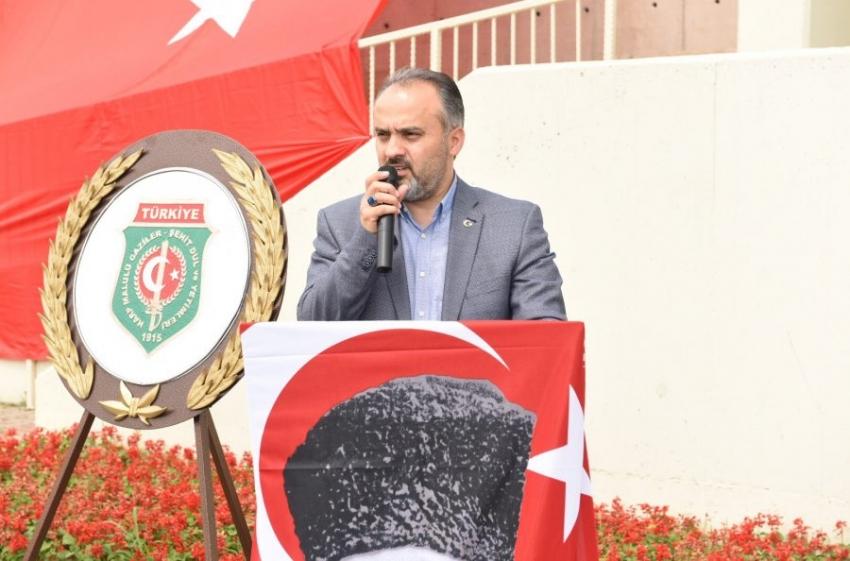Bursa'da Başkan Aktaş'tan 'Babalar Günü' sürprizi