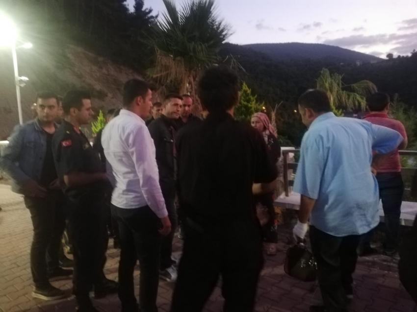 Sinop'ta akıntıya kapılan genci arama çalışmaları sürüyor