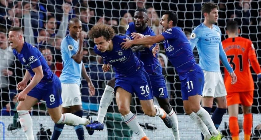 Chelsea, Manchester City'yi koltuğundan etti