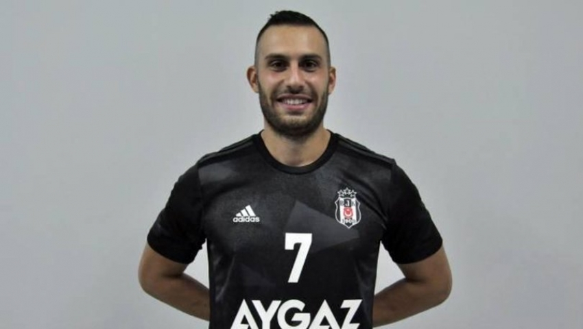 Özgür Sarak, Slovenya'ya transfer oldu