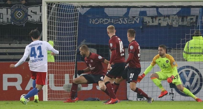 Hamburg, Berkay Özcan'ın golüyle tur atladı