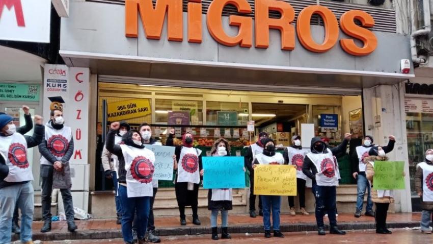 Migros çalışanlarından kasa kilitleme eylemi