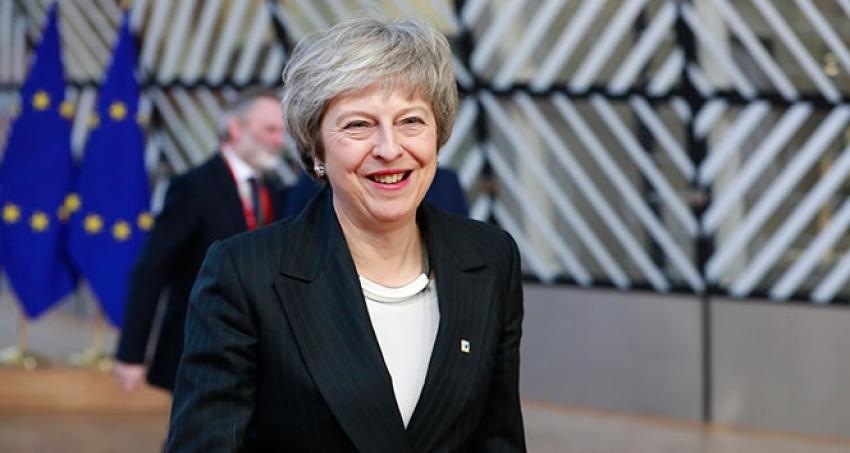 Theresa May güvenoyu aldı