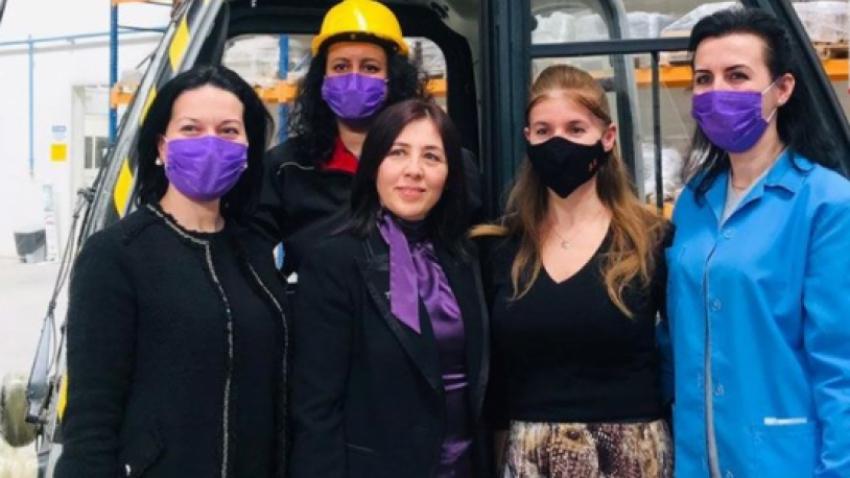 Sadece kadınların çalıştığı fabrika