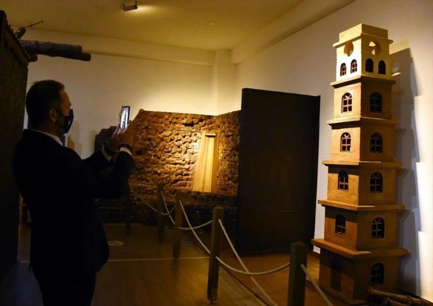 Bursa'da 8 ton çikolatayla oluşturulan müze