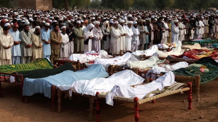 Pakistan'da trafik kazası: 26 ölü, 50 yaralı