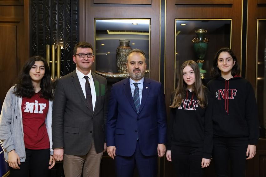 Bursalı liselilerden Başkan Aktaş'a teşekkür