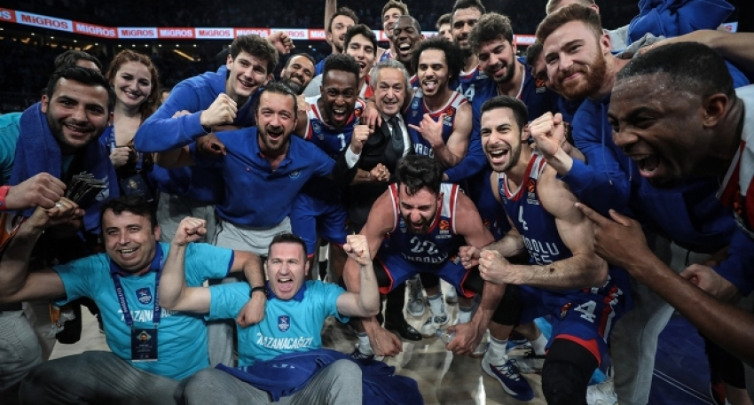 Anadolu Efes Dörtlü Final'de
