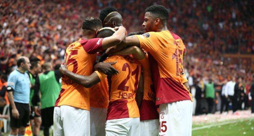 Galatasaray 2-0Beşiktaş