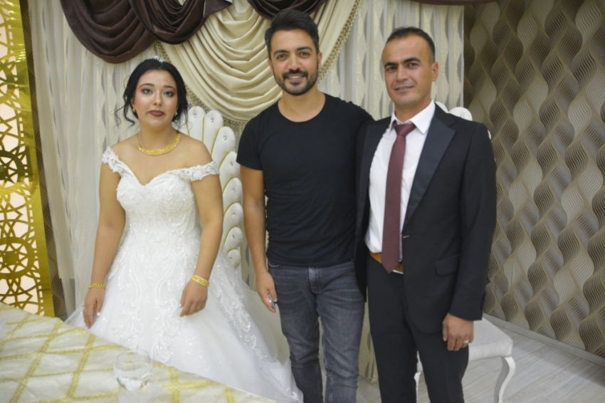 Yusuf Güney şehit askerin kardeşinin düğününe katıldı