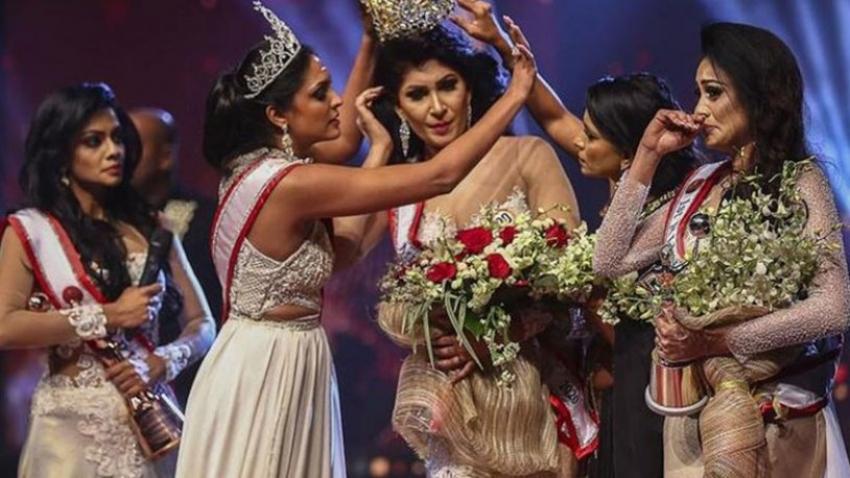 Güzellik yarışmasında skandal: Sahnede taç kavgası çıktı!