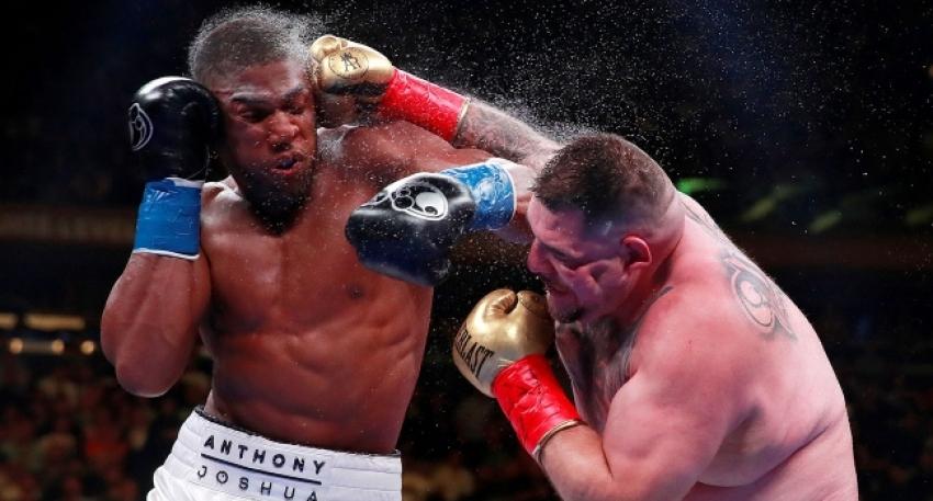 Ağır sıklet boks maçında tarihi nakavt