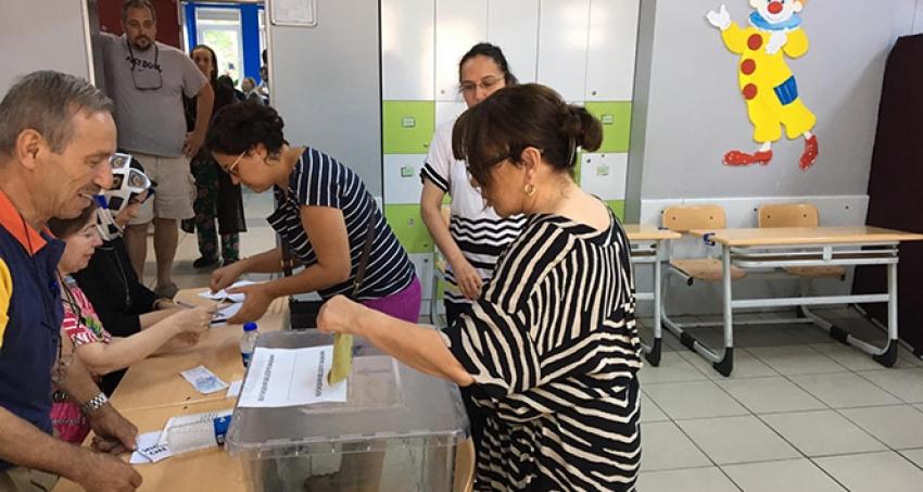 Ünlü sanatçı Sezen Aksu'nun geçersiz oy paniği