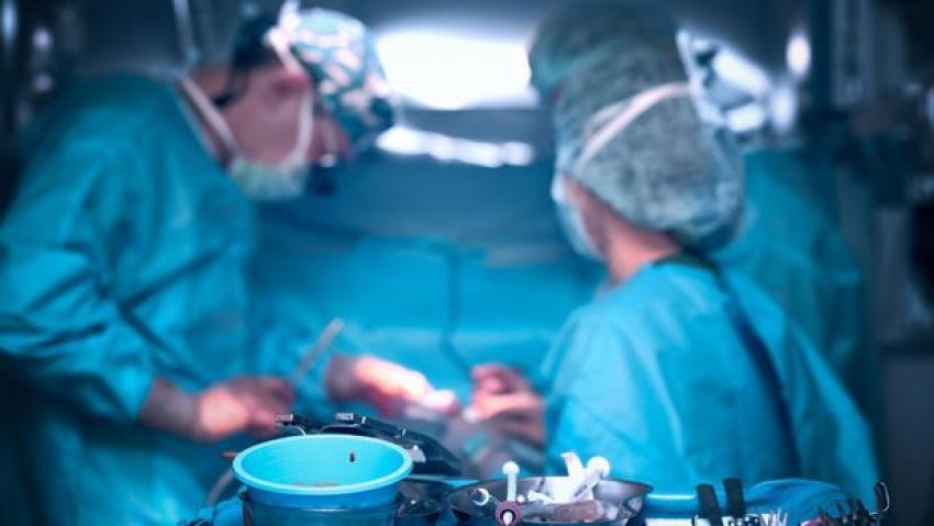 Ameliyatın ortasında çığlık çığlığa uyandı