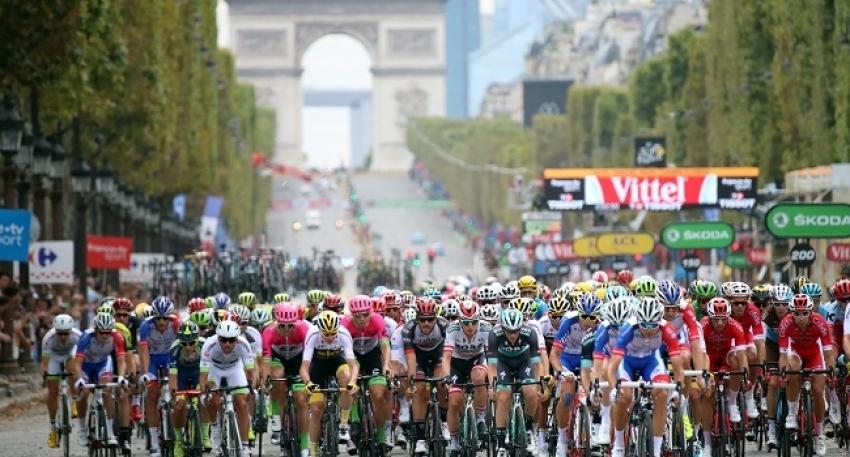 Fransa Bisiklet Turu'nda 17. etap Tadej Pogacar'ın