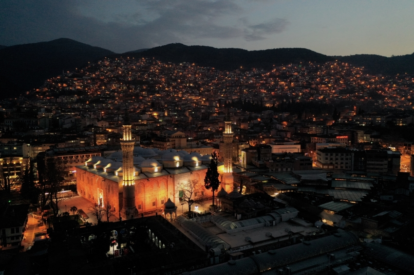 Bursa'da Hanlar Bölgesi ve İpek yılı
