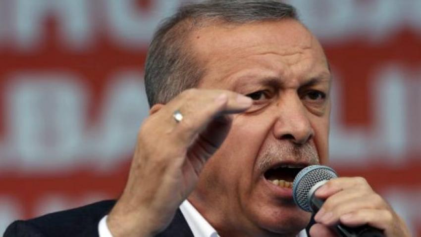 Erdoğan'dan özür bekliyor