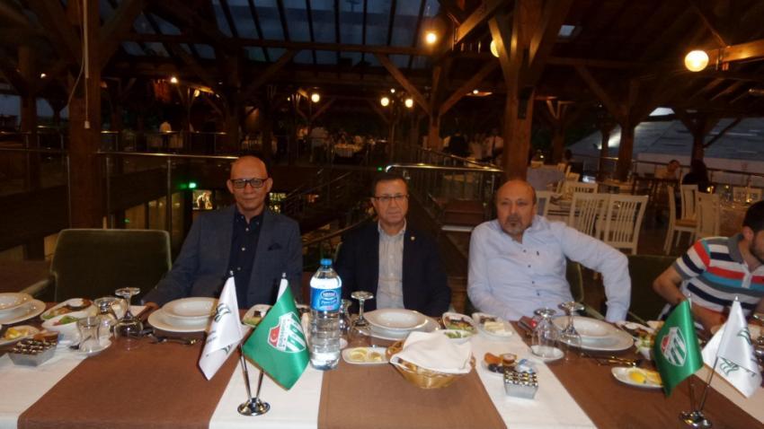 Bursasporluyuz.net camiayı iftarda buluşturdu
