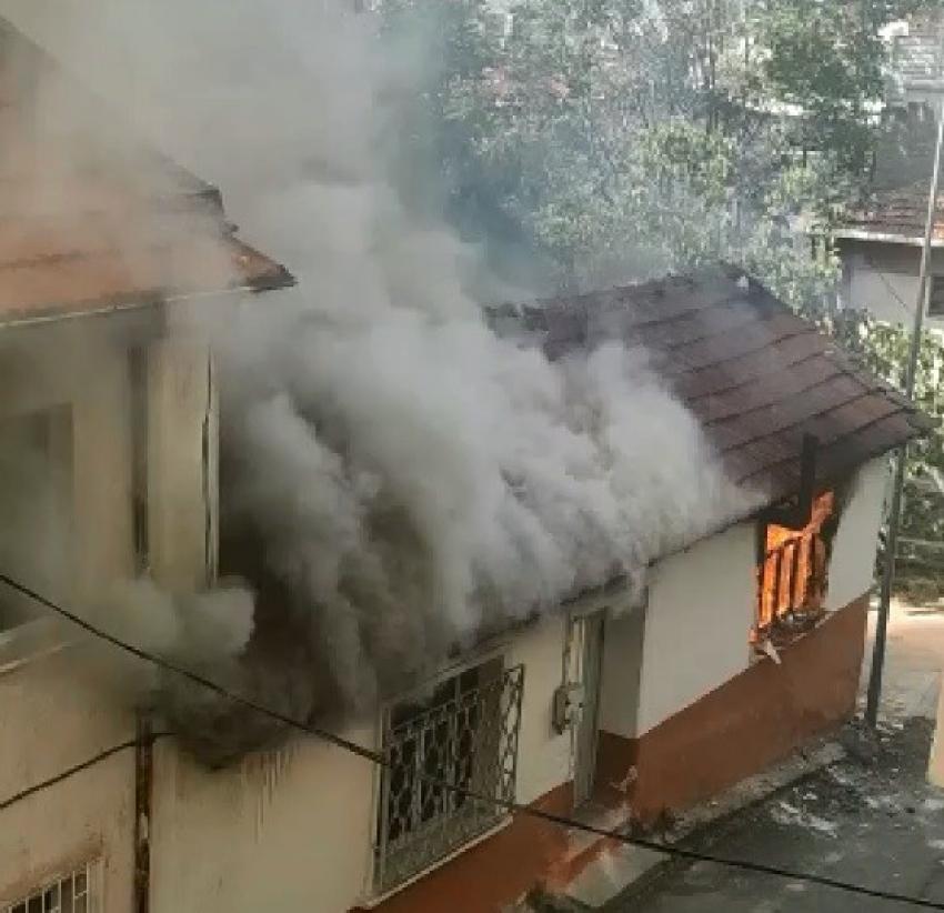 Bursa'da madde bağımlısı evi yaktı