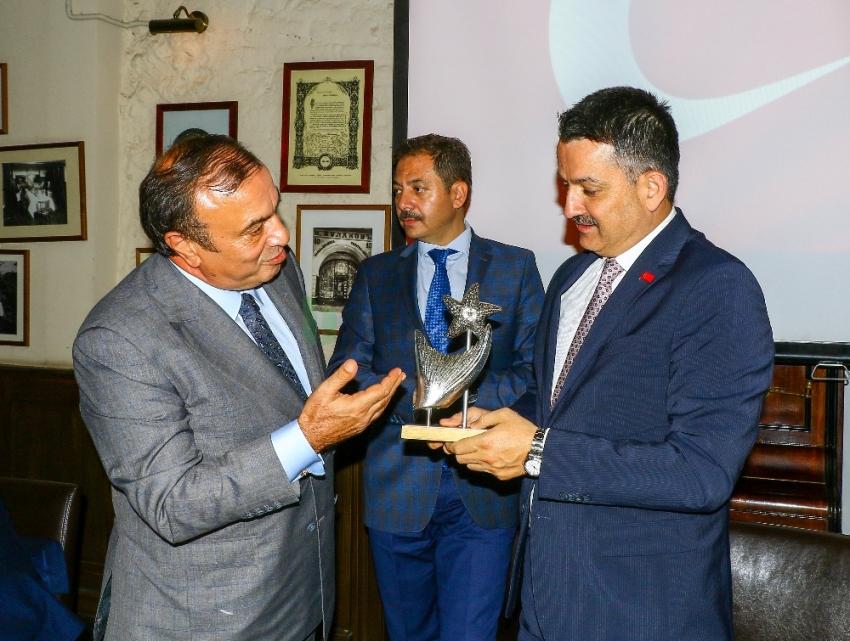 Bakan Pakdemirli, Rusya'da su ürünleri sektör temsilcileri ile bir araya geldi