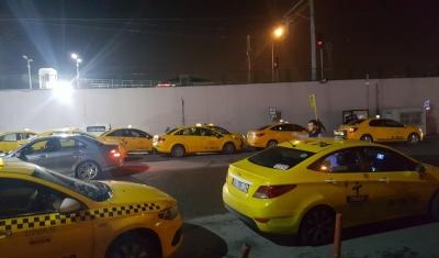 Taksiciler krizi fırsata çevirdi