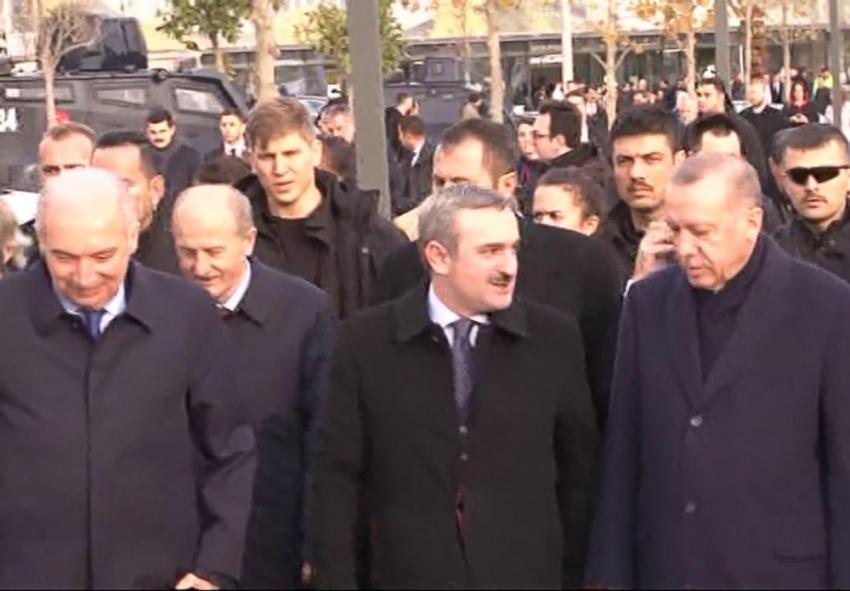Erdoğan Başakşehir Merkez Camii'nde incelemelerde bulundu