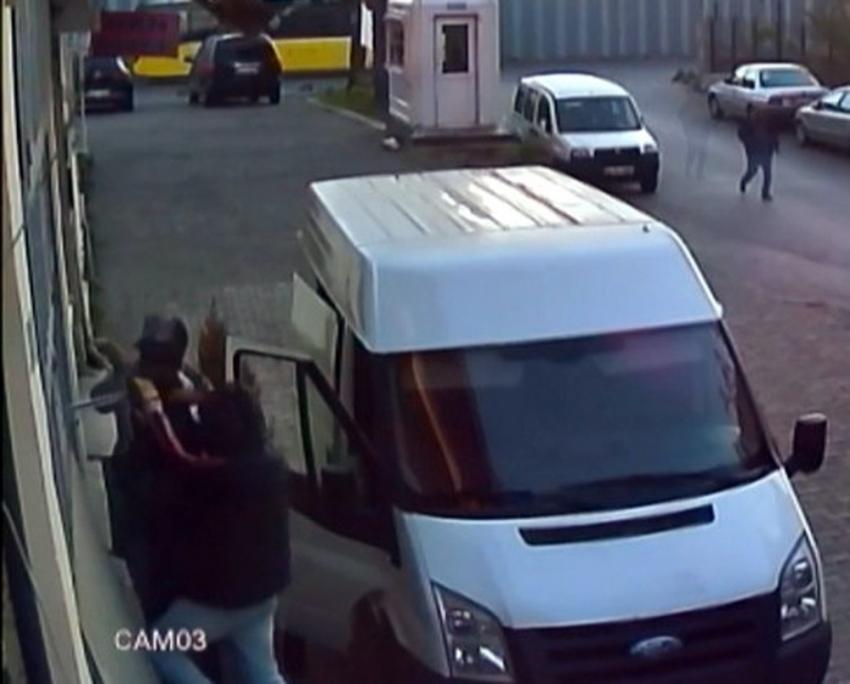 Güpegündüz hırsızlık kamerada