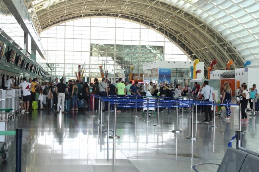 Havalimanlarındaki yolcu sayısında artış var