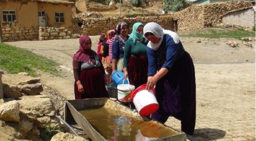 Hakkari'de su sıkıntısı başladı