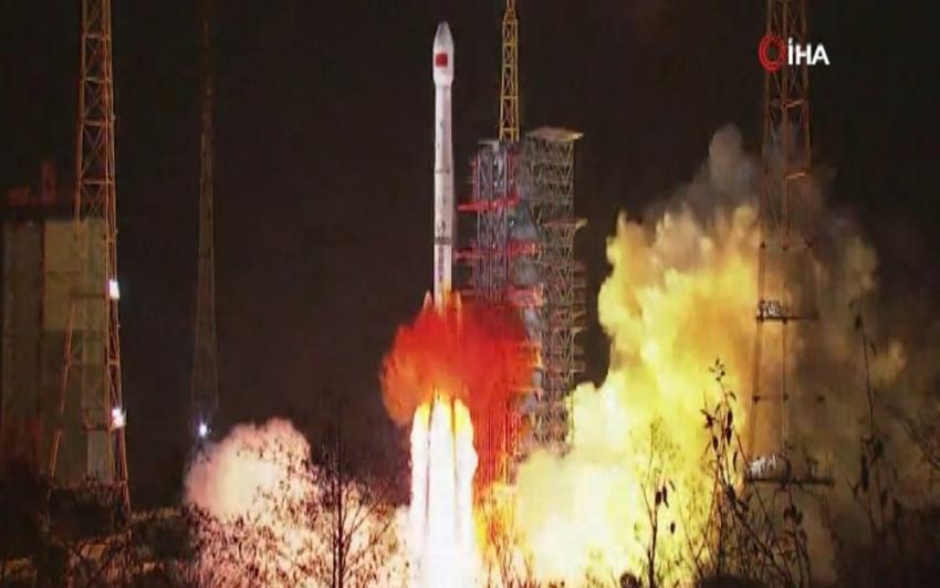 Çin yeni yılın ilk uydusunu fırlattı