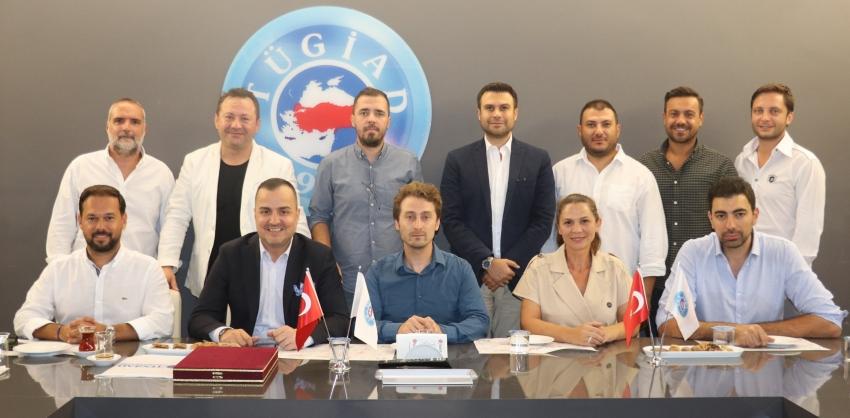 TÜGİAD'tan Bursaspor Basketbol'a kombine desteği