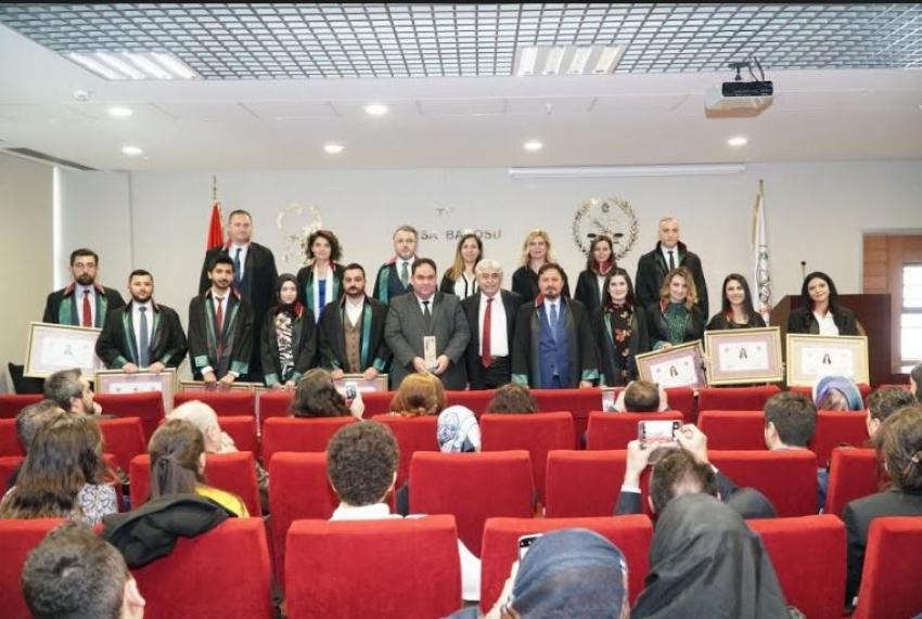 Bursa Barosu Ali Rıza Köstendil Hukuk Ödülü törenle sahibine verildi
