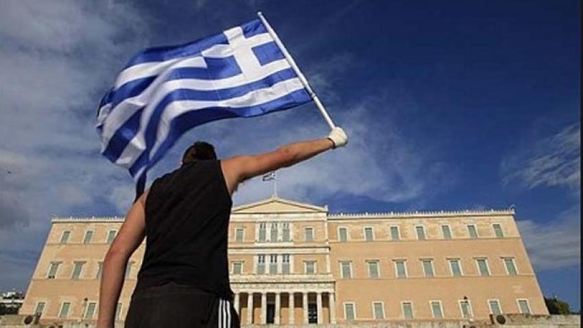 Yunanistan'ın kaderi referanduma bağlı
