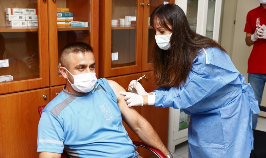 Aşı seferberliğine BUSKİ de katıldı