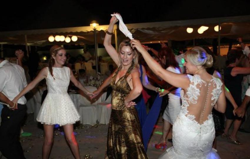 Kıbrıs'ta etek altı skandalı