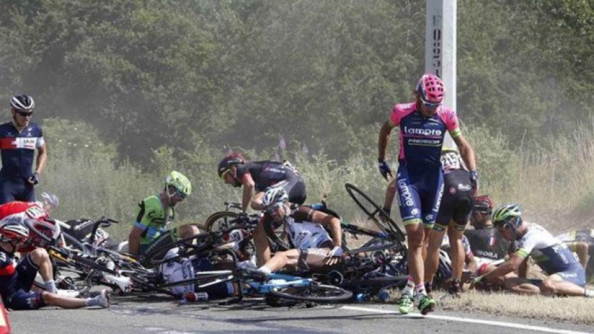 Fransa Bisiklet Turu'nda korkunç kaza!