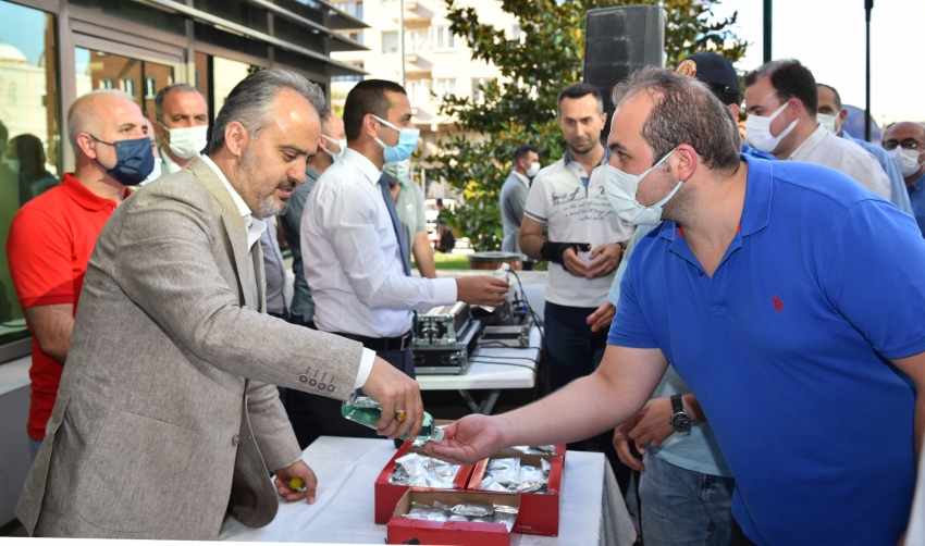 Bursa Büyükşehir ailesi bayramlaştı