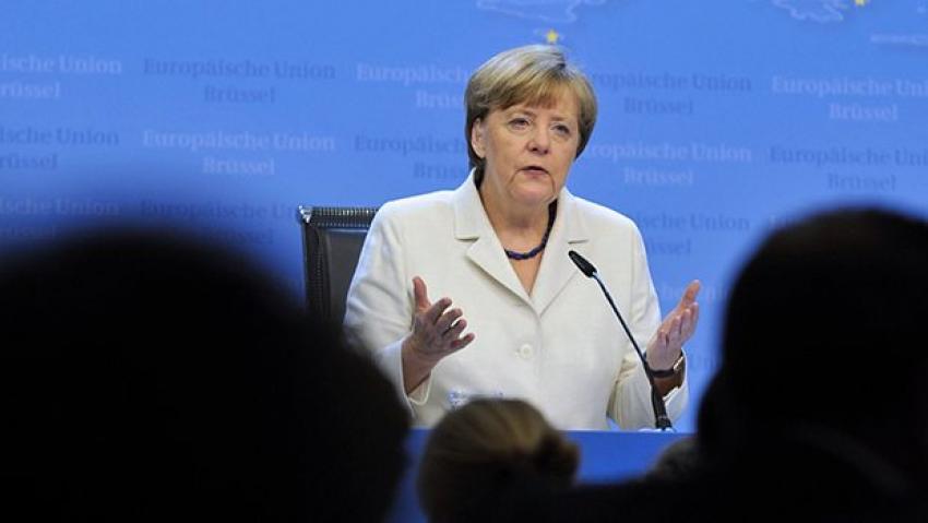 Merkel'den Yunanistan açıklaması