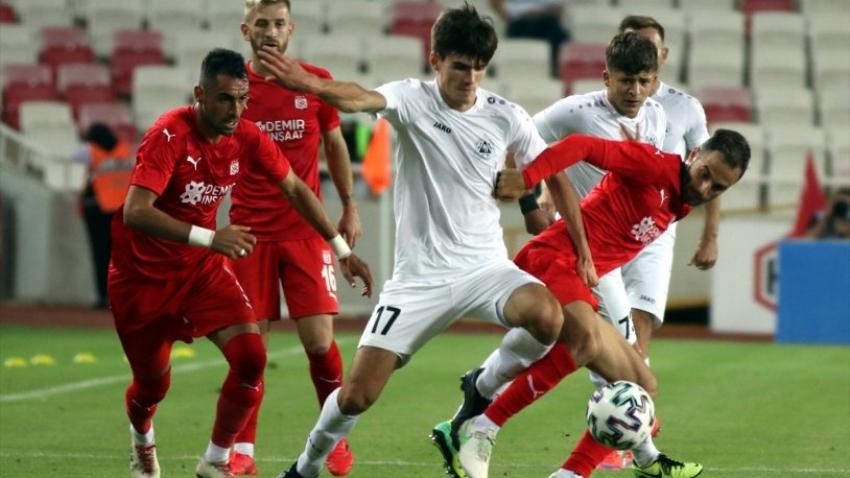 Sivasspor, UEFA Avrupa Konferans Ligi'nde tur biletini aldı
