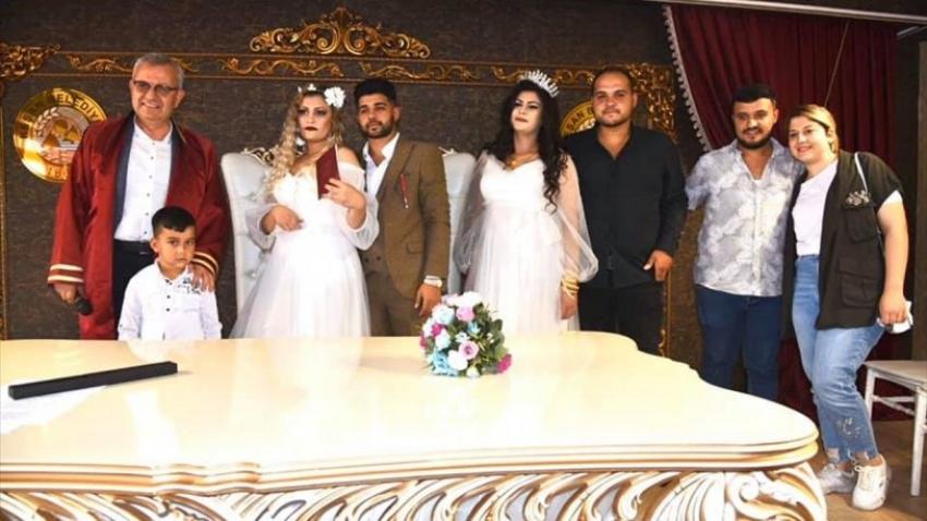 5 dakika arayla evlenen kuzenler birbirlerinin nikah şahidi oldu