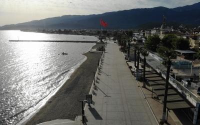 Plajlar ve sahiller bayramın birinci gününde boş kaldı