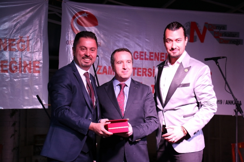 İhlas Medya Ankara Temsilcisi Batuhan Yaşar'a ödül