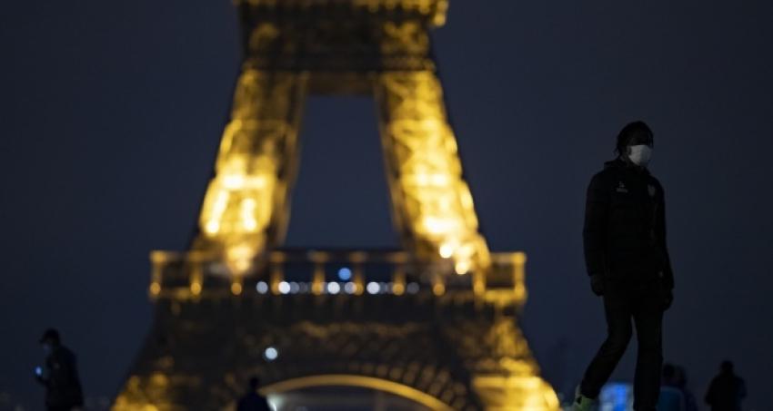 Fransa'da sokağa çıkma yasağı genişledi