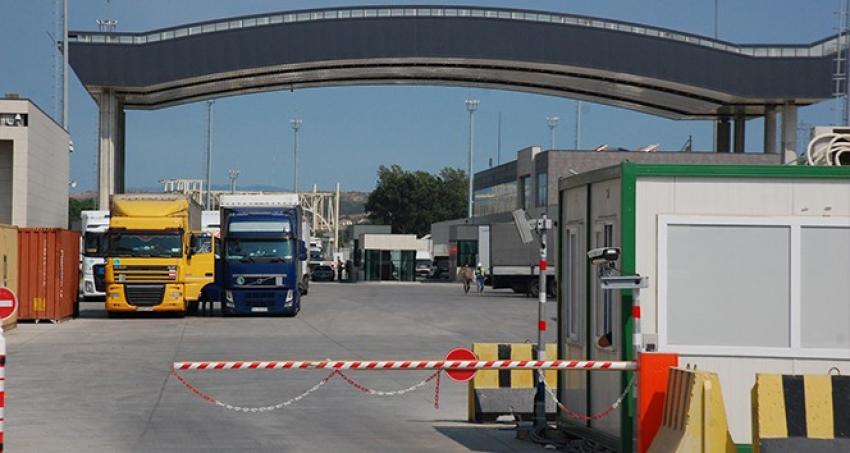 Yunanistan'daki grev, sınır kapısını kapatıyor
