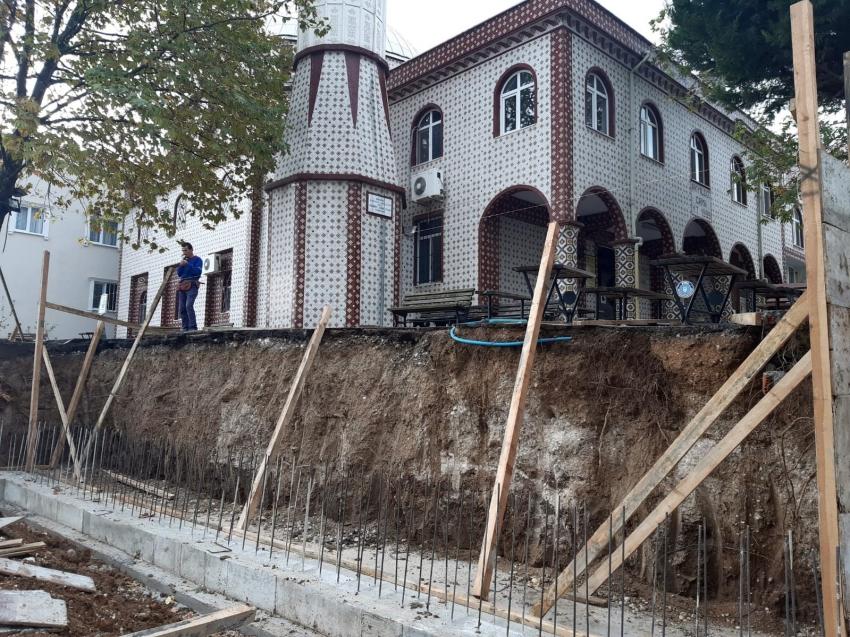 Osmangazi Ayyıldız Camii yeni bir görünüme kavuşuyor