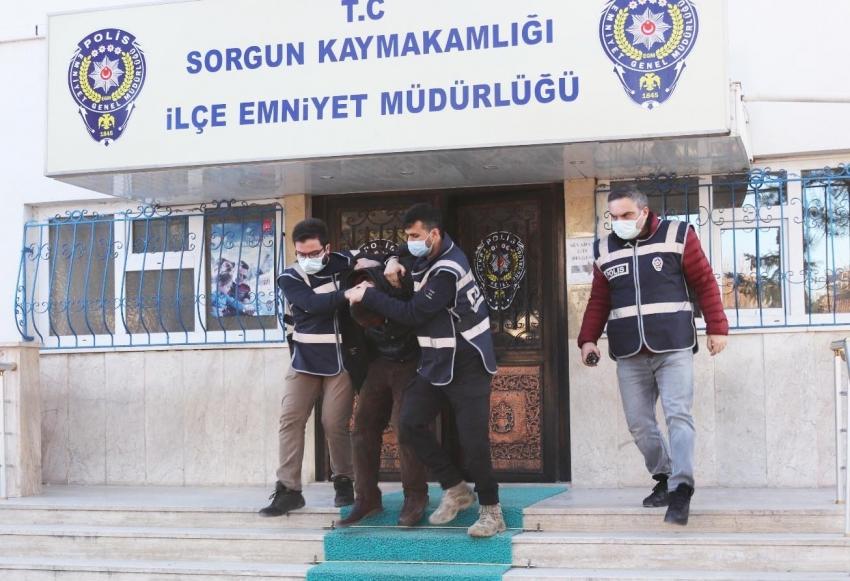 Suç üstü yakalanıp serbest kaldılar