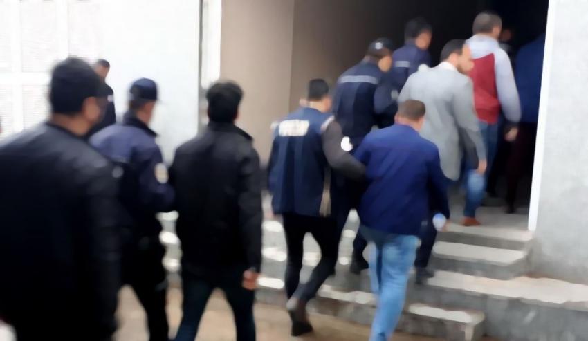 64 eski polise FETÖ'den gözaltı kararı