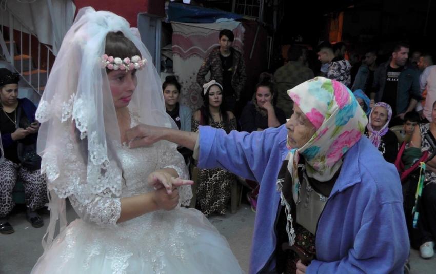 Engelli kıza dillere destan Roman düğünü