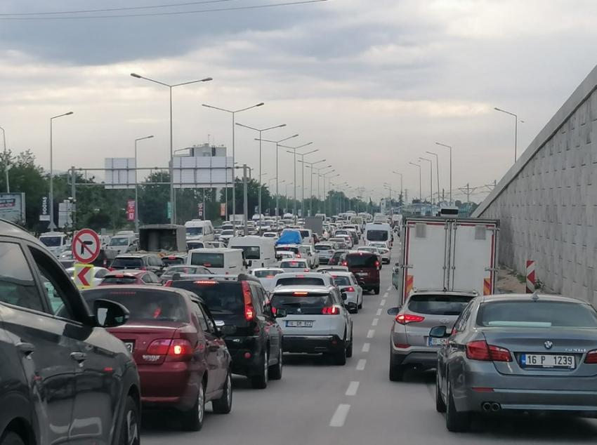 Normalleşmede Bursa trafiği felç!