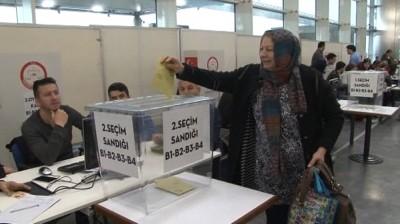 Referandum oylaması sınır kapılarında bugün başladı